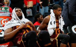 Illustration for article titled Cavaliers Suspend Andrew Bynum Indefinitely