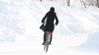 Illustration for article titled Prepare Your Bicycle and Your Body for Winter Riding