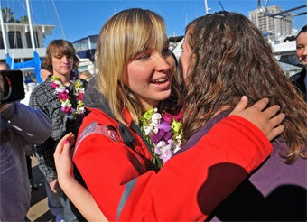 Illustration for article titled Teen Sailor Abby Sunderland Found Alive In Indian Ocean