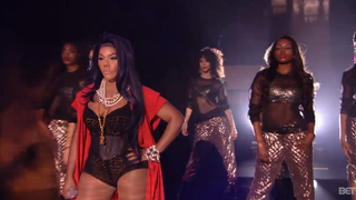 Illustration for article titled Lil Kim, Missy Elliott, Da Brat Reunite at the Soul Train Awards