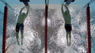Illustration for article titled Find Out How Those Cool Underwater Olympic Photos Get Made