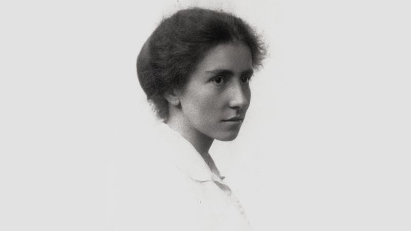 Dorothy Garrod, circa 1913