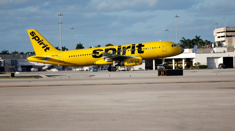 Illustration for article titled Dumbass Thinks He Can Vape Into a Bag on Spirit Airlines Flight, Gets Lifetime Ban: Report