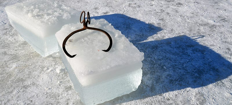 Illustration for article titled Learning the Lost Art of Ice Harvesting in Maine