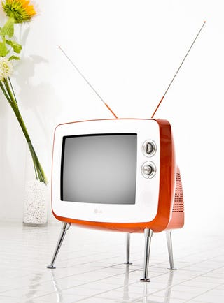 Illustration for article titled LG Goes Retro With The Serie 1 CRT TV, Proving 14-Inches Can Be Enough