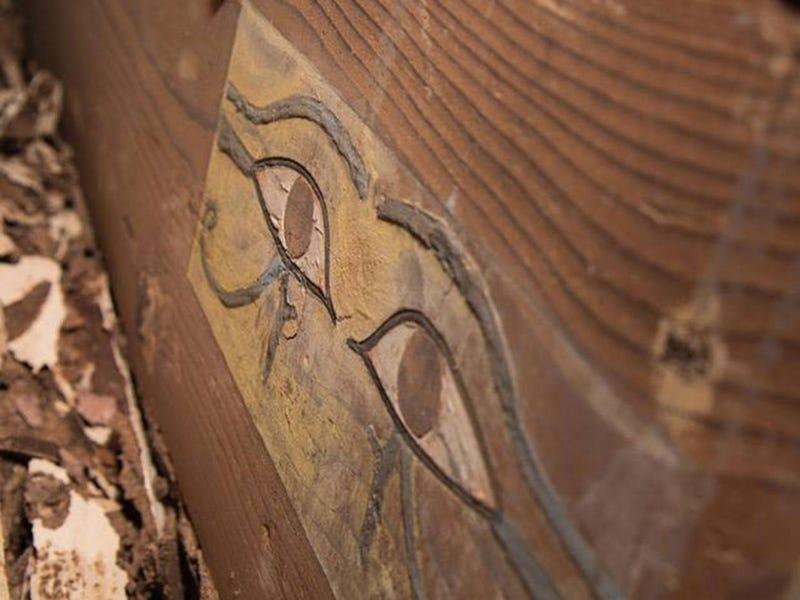 Descubren una tumba egipcia casi intacta con una momia de hace 3.800 años en su interior