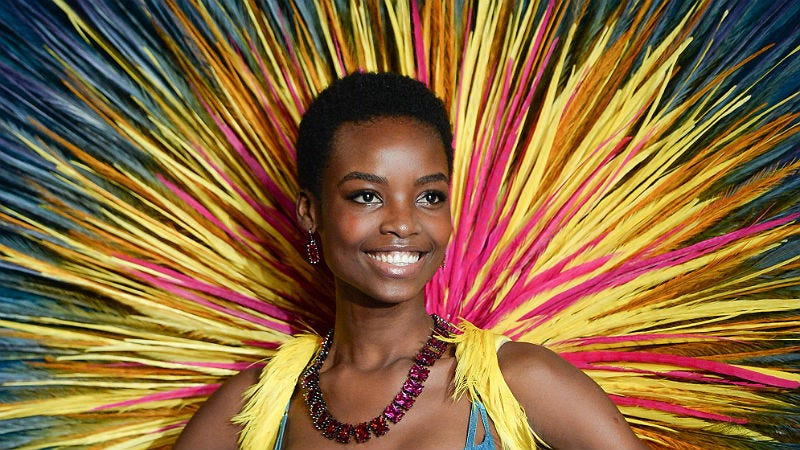 Illustration for article titled Maria Borges Is the First Afro-Coiffed Model to Walk in the Victoria's Secret Fashion Show