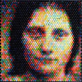 Illustration for article titled Christian Faur's Crayon Art Will Make You Cross-Eyed