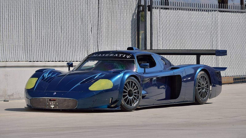 Illustration for article titled The Maserati MC12 Versione Corse Is A Track-Only Car So Pretty It Makes An Enzo FXX Look Boring