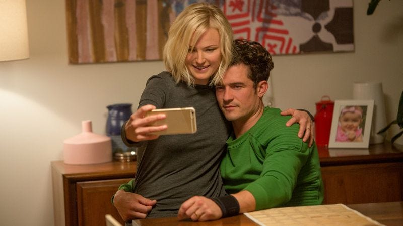 Malin Akerman and Orlando Bloom star in Easy (Photo: Patrick Wymore/Netflix)