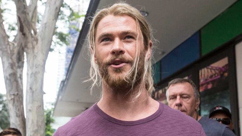 Chris Hemsworth takes a break from filming to mingle with fans on the set of Thor: Ragnarok in Brisbane, Australia. (Photo: Glenn Hunt/Fairfax Media via Getty Images)