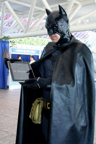 Illustration for article titled Even Batman Has An iPad