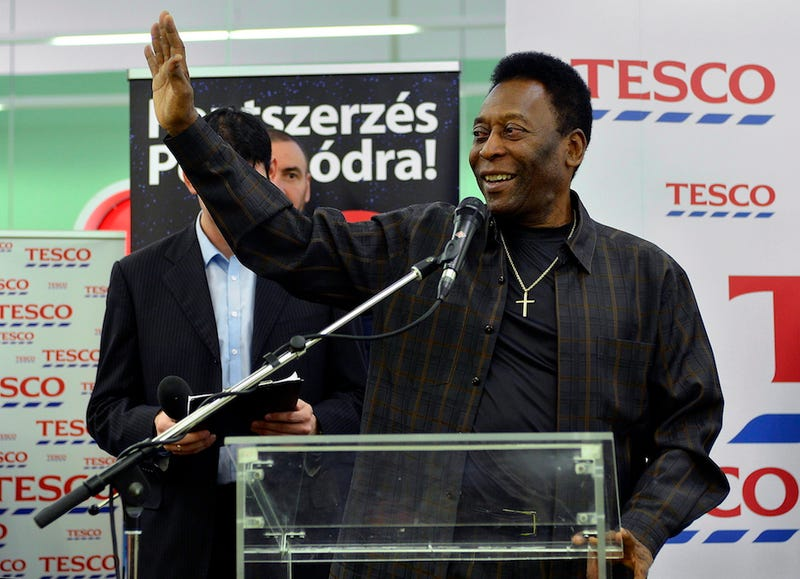 Illustration for article titled A budaörsi Tescóban haknizott Pelé