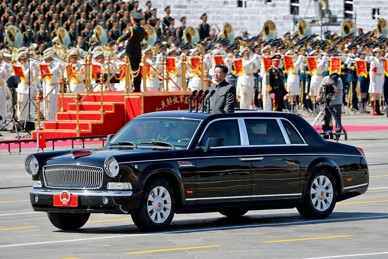 Illustration for article titled China's Massive Victory Day Parade Was Long On Weapons But Short On Power Players