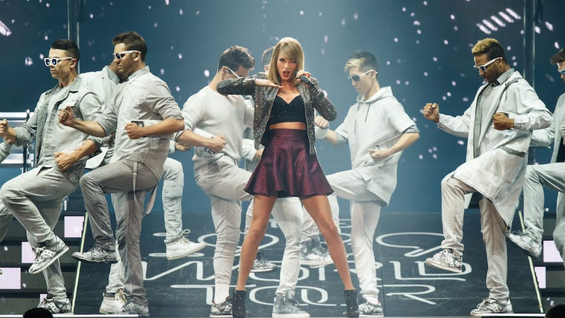 Illustration for article titled Taylor Swift Concert Bracelets End Up Saving Teens' Lives