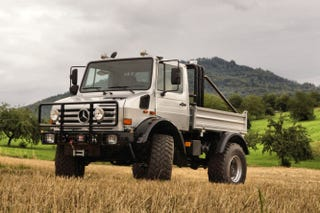 Illustration for article titled You Can Buy Schwarzenegger's Unimog And Terminate Any Terrain