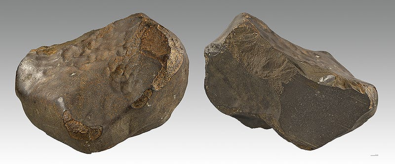 Meteorito de Saint Sauveur. Foto: Didier Descouens, bajo licencia Creative Commons.