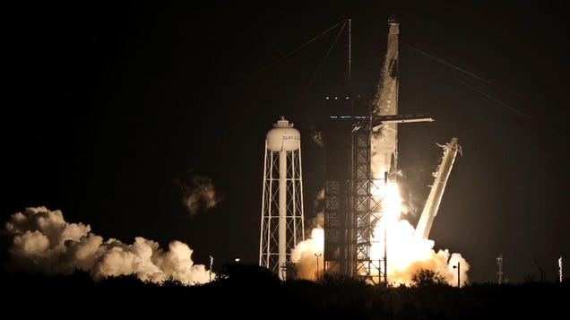 SpaceX s Still-in-Beta Starlink ISP Gets Nearly a Billion Dollars to Try and Fix Rural Internet
