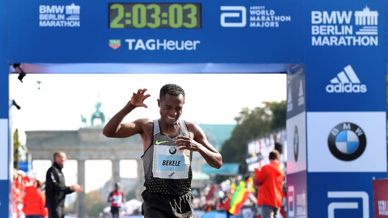 Kenenisa Bekele comes close to the marathon world record. (Photo credit: Ronny Hartman/Getty)