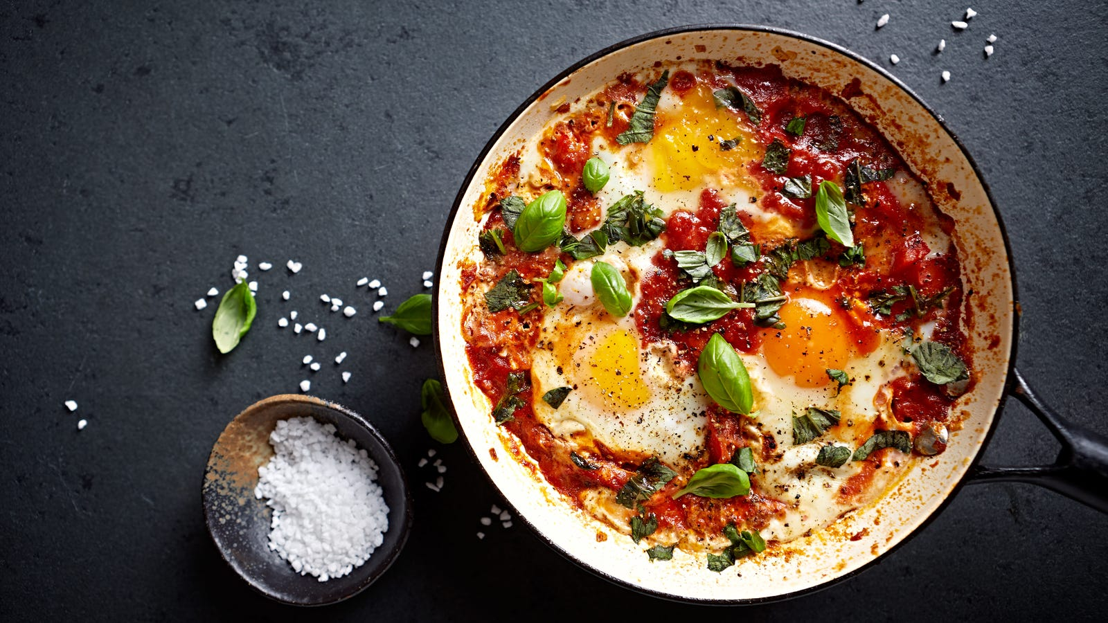 """How to make shakshuka, the Moroccan stew that says """"put an egg on it!"""""""