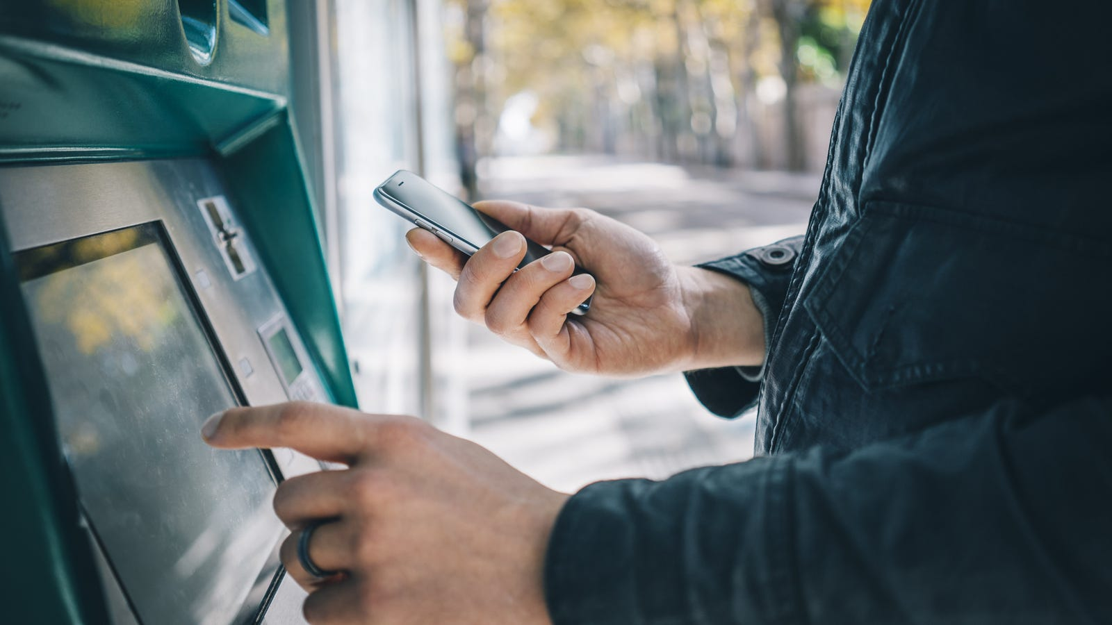 Cardless ATMs Are Here, and So Are Cardless ATM Scams