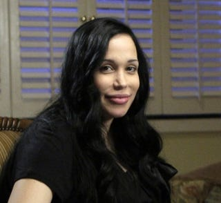 Illustration for article titled Nadya Suleman Steals a Page from Joe Jackson's Pimp Chronicles