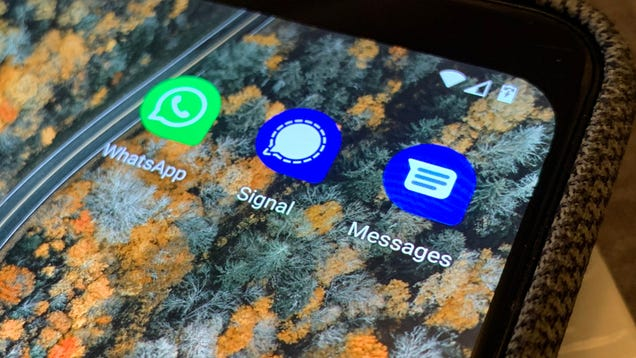 How to Safely Move All Your Messages From One Phone to Another