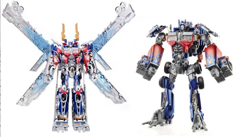 Illustration for article titled Is Transformers 3's Optimus Prime a giant robotic butterfly?