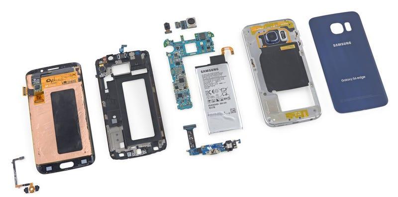 Illustration for article titled El Samsung Galaxy S6 Edge, pieza a pieza: repararlo te saldrá muy caro