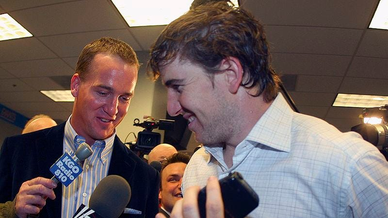 Illustration for article titled Peyton Manning Congratulates Brother Eli: 'This Has Been The Worst Year Of My Life'