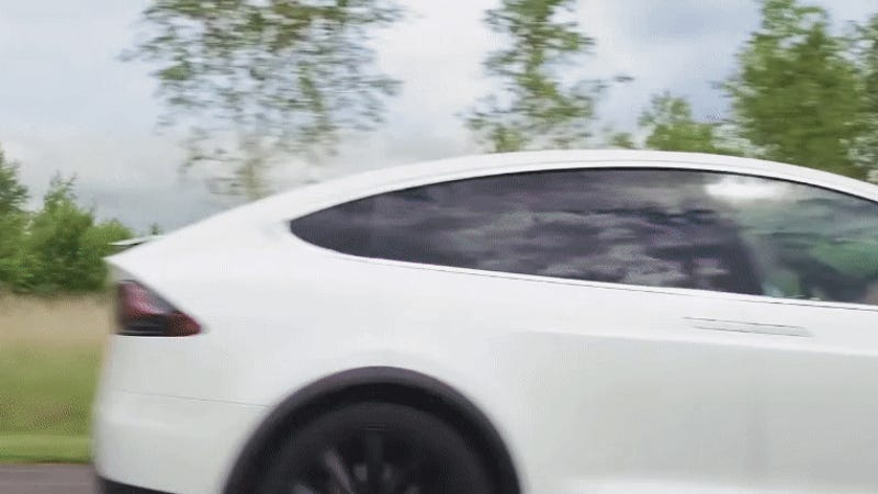 Jeremy Clarkson Reviewed The Tesla Model X With A Team Of Six Lawyers