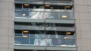 Illustration for article titled The Great Ubisoft  Post-It Wars End With a Three-Story Assassination