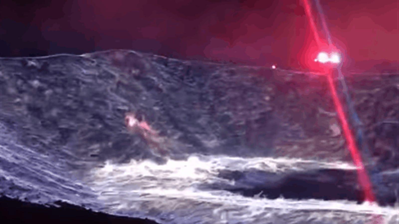 Este incendio en una pila de azufre parece una escena extraída de una película de terror