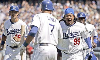 Illustration for article titled Manny Ramirez Gets Fellated By Business Columnist For His Mannyness
