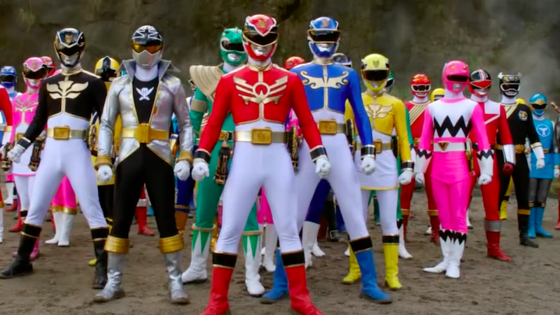 The MASSIVE crossover in Power Rangers Super MegaForce.