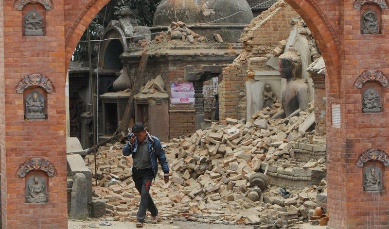 Illustration for article titled La devastación del terremoto de Nepal, en imágenes