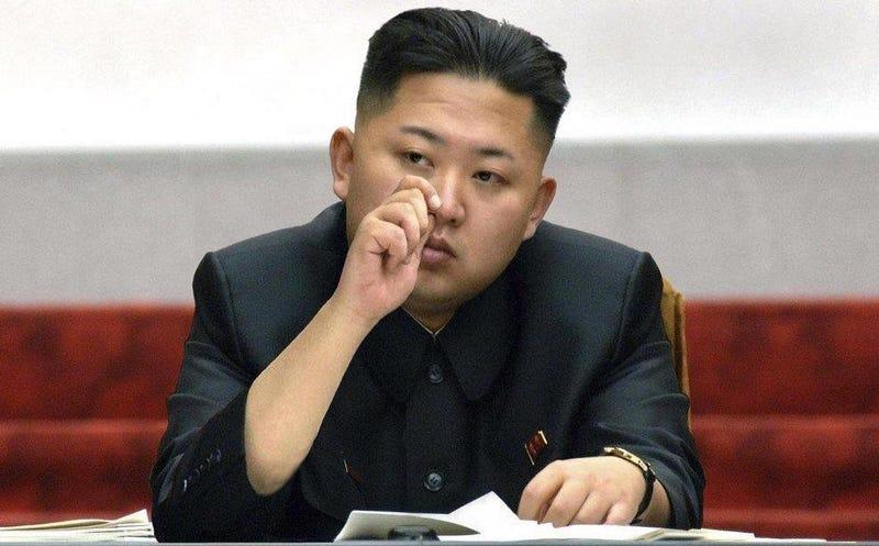 Illustration for article titled Un desertor del régimen cuenta como los norcoreanos usan la nariz para introducir películas de contrabando