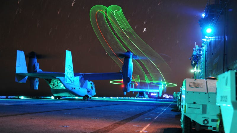 Illustration for article titled This Light Painting Pays Tribute to a Classic 1949 Navy Photograph