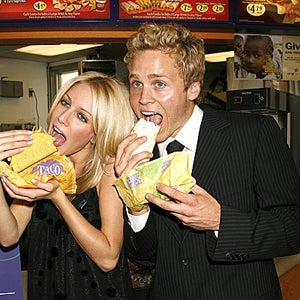 Illustration for article titled Heidi Montag And Spencer Pratt Are On Drugs, Getting Married