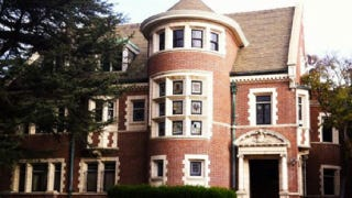 American horror story 39 s murder house is for sale for American horror story house for sale