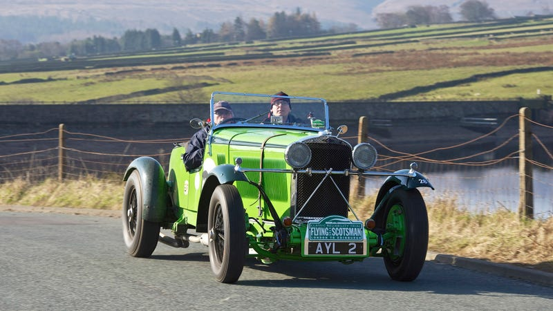 Illustration for article titled This Lime Green 1934 Talbot Won The Flying Scotsman