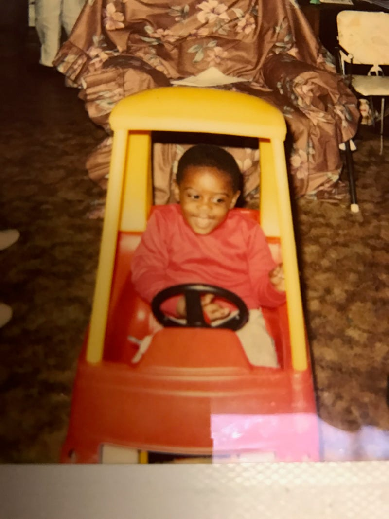 Illustration for article titled Mom Just Sent Me a Picture of My First Car