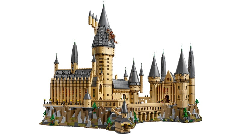 Illustration for article titled I Hope I Get an Acceptance Letter to Lego's New 6,020-Piece Hogwarts Castle Set