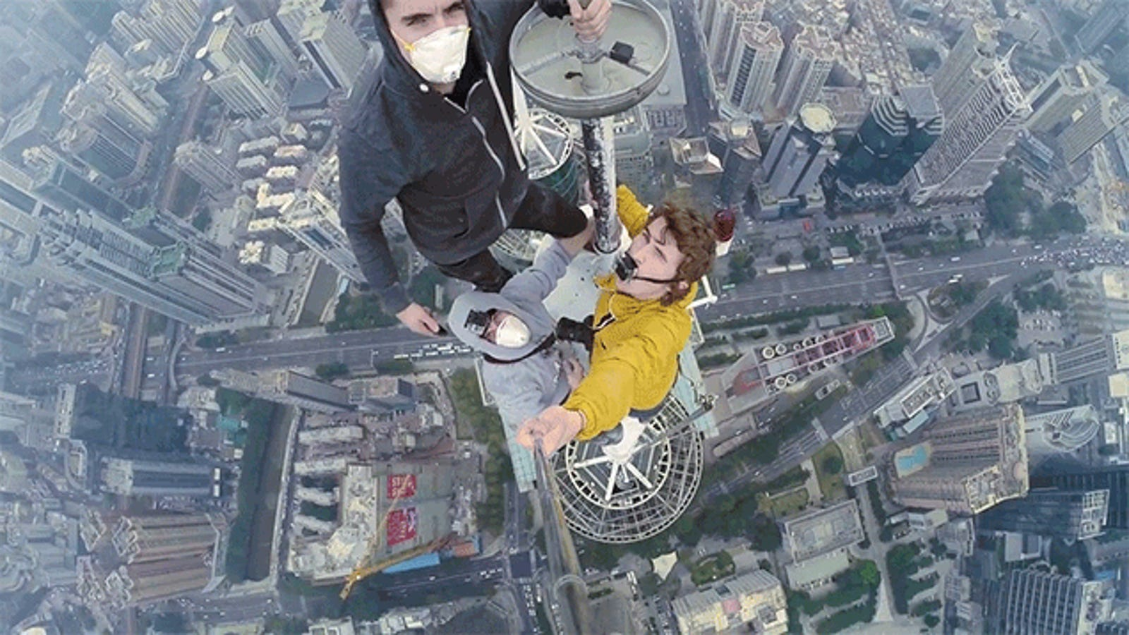 This Video of People Climbing a Skyscraper Is So Damn Stressful