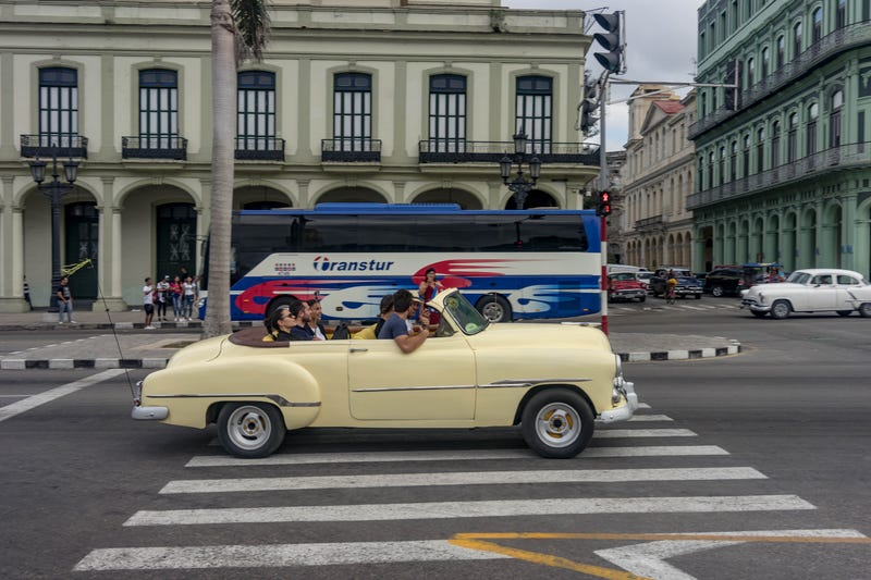 Here S What Cuba S Car Scene Looks Like In