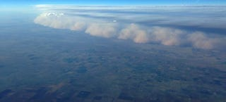 Illustration for article titled Impressive aerial photo of a massive dust storm devouring Texas