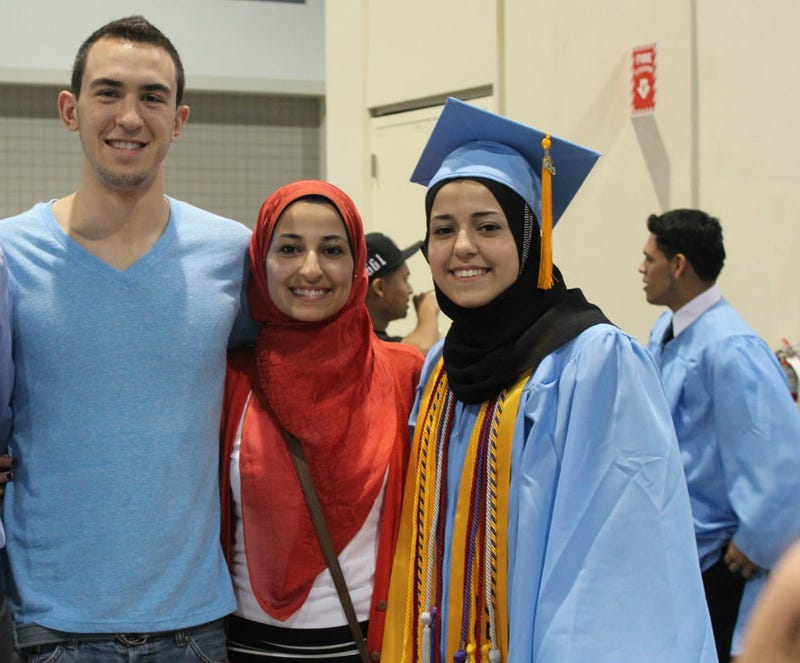 Illustration for article titled White Man Murders Three Muslim Students in Chapel Hill