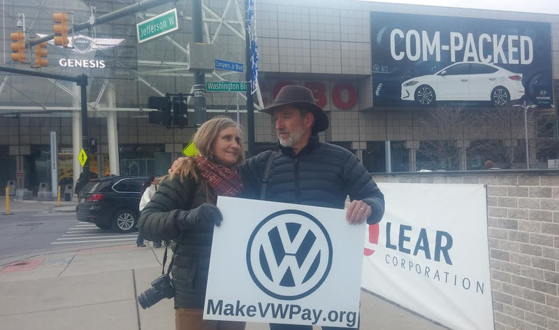 Illustration for article titled This Couple Is Driving Cross-Country To Return Their Polluting Jetta To VW Headquarters