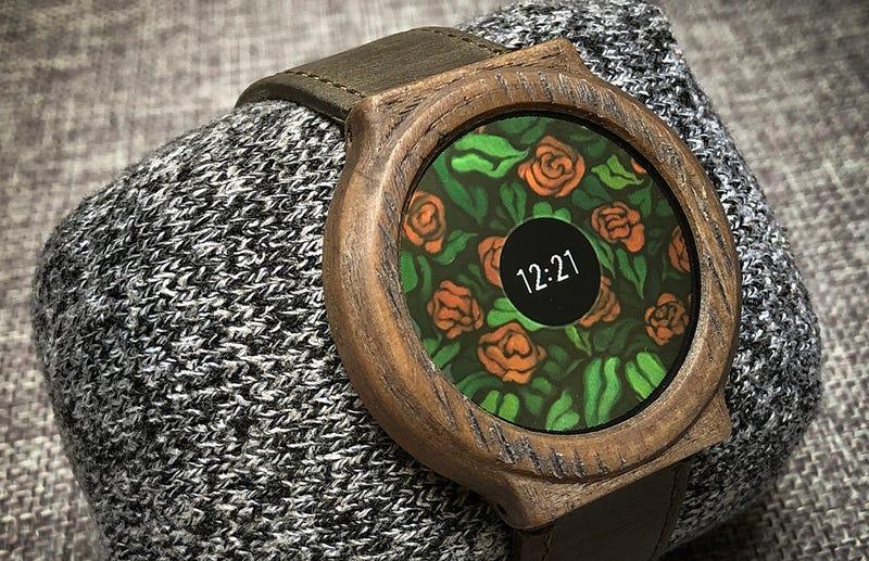 Illustration for article titled Este diseñador se ha fabricado su propio smartwatch con 7 días de autonomía por 50 dólares