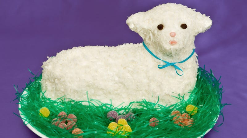 Illustration for article titled How hard can it be to make a 3D Easter lamb cake?